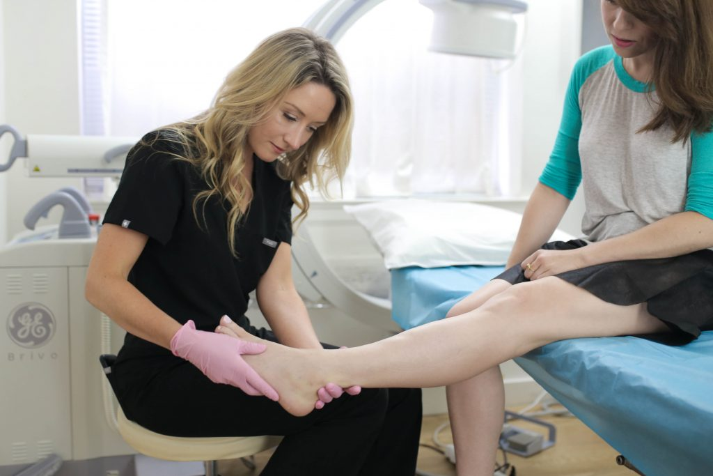 Are you looking for a vein center near me in Long Island? In this article, we discuss the qualities you must consider when looking for vein doctors or vein centers in LI, New York.