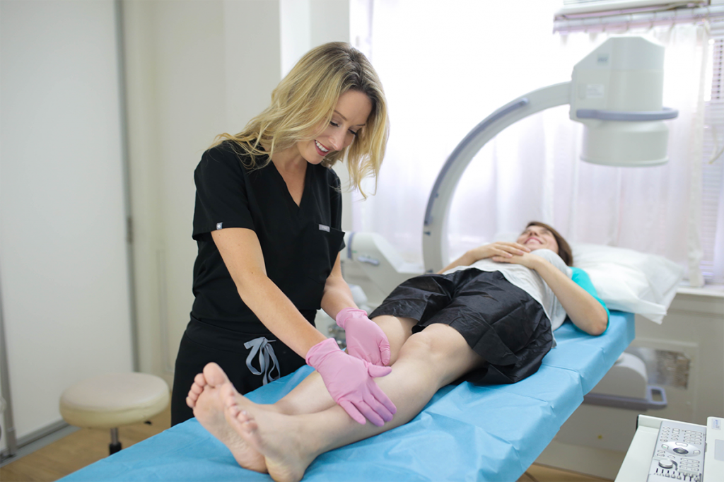"""You may wonder, """"what can I expect from a spider vein center near me in Suffolk County?"""" In this article, we discuss minimally invasive varicose vein treatment."""