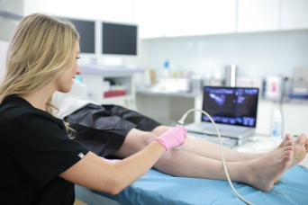 Are you looking for the best vein center in Jericho? This article introduces you to the best vein centers and minimally invasive vein treatments in Jericho, NY.